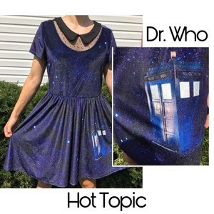 HOT TOPIC Dr. Who Exclusive Collection Size Large